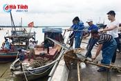 Thông tin tàu thuyền vào nơi tránh trú bão, chủ động tiêu thoát nước