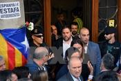 Tòa án phạt hàng chục quan chức tổ chức trưng cầu ở Catalonia