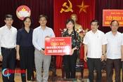 Bộ Tư pháp trao 200 triệu hỗ trợ đồng bào vùng bão Hà Tĩnh
