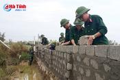 Hoàn thành khắc phục hậu quả bão, bộ đội Thạch Hà lại về giúp dân xây dựng NTM