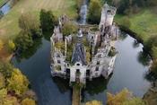 """Tòa lâu đài nghìn năm tuổi """"sống lại"""" nhờ điều kỳ diệu"""