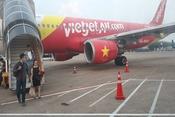 Nhiều chuyến bay bị hủy, hành khách vạ vật ở sân bay Vinh