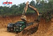 """Chính quyền xã Thượng Lộc làm ngơ cho khai thác đất """"lậu""""?"""