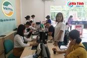 Người dân đổ xô đi bổ sung thông tin thuê bao và đăng ký SIM chính chủ