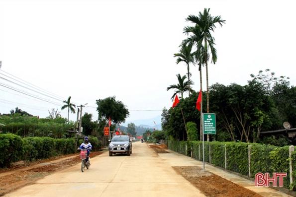 62 km hàng rào xanh, đường hoa làm đẹp xóm làng Hương Sơn