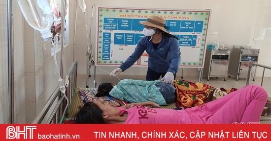 100% trạm y tế vùng ngập lụt Hà Tĩnh sẵn sàng tiếp đón, chăm sóc bệnh nhân