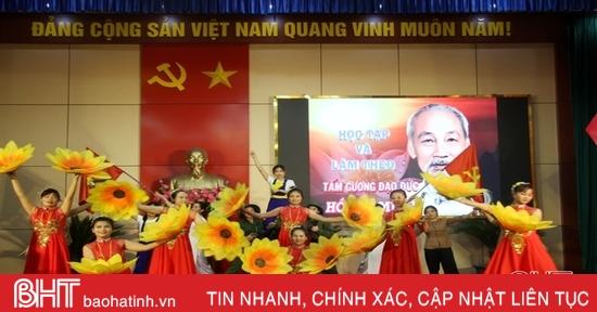 34 thí sinh tranh tài kể chuyện điển hình học và làm theo Bác ở Hương Sơn