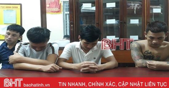 """4 đối tượng """"đập đá"""" trong đêm ở phố biển Lộc Hà"""