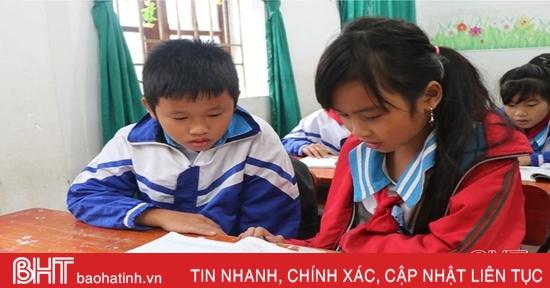 Ấm áp buổi học đầu tiên sau 1 tuần gián đoạn ở vùng tâm lũ Hà Tĩnh