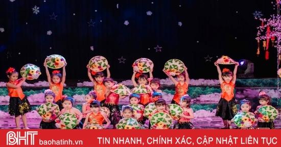 """Ấm áp """"Giáng sinh an lành - Xuân yêu thương"""" của học sinh iSchool Hà Tĩnh"""