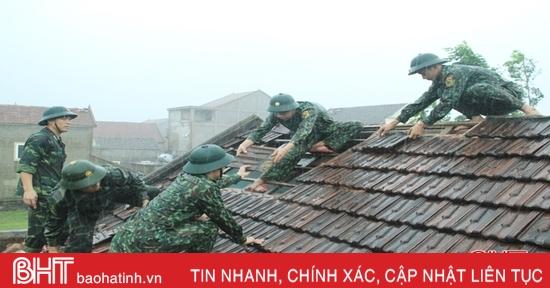 Ảnh hưởng bão số 5, hàng chục nhà dân ở Nghi Xuân bị tốc mái, hư hại nặng