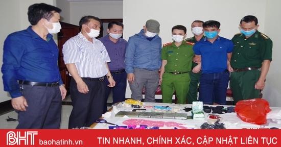 Bắt đối tượng vận chuyển thuê 6 bánh heroin, 1kg ketamin và 12.000 viên ma túy tổng hợp từ Lào về Hà Tĩnh