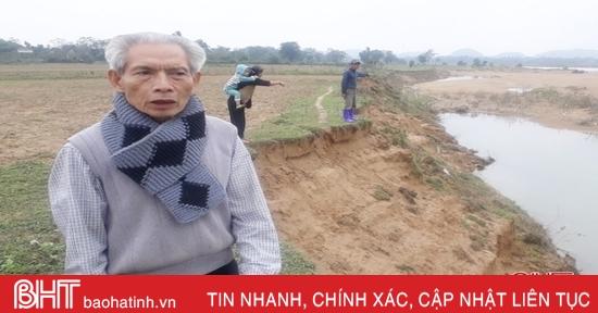 """Bất lực nhìn sông Ngàn Sâu """"nuốt"""" 20 sào đất nông nghiệp mỗi năm ở huyện miền núi Hà Tĩnh"""
