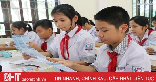 """""""Bí quyết"""" để TX Hồng Lĩnh duy trì tỷ lệ 100% học sinh tham gia bảo hiểm y tế"""