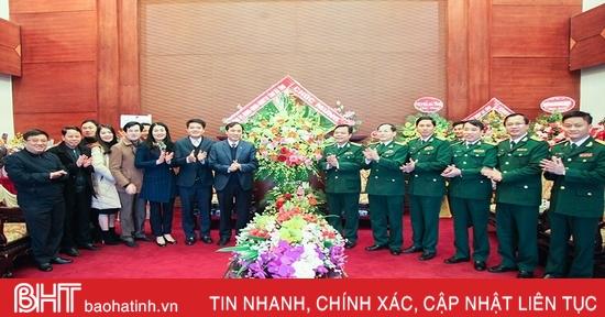 Bí thư Tỉnh ủy Hà Tĩnh chúc mừng Bộ CHQS nhân ngày truyền thống Quân đội nhân dân Việt Nam