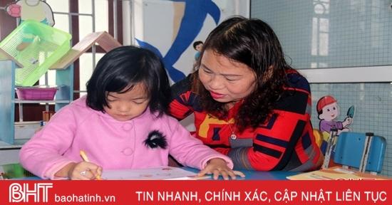 """Bước chân không mỏi trong sự nghiệp """"trồng người"""" của 2 nữ giáo viên Hà Tĩnh"""