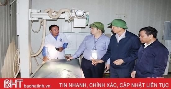 Các cơ sở y tế ở Hà Tĩnh khắc phục khó khăn sau lũ, chăm sóc sức khỏe người dân