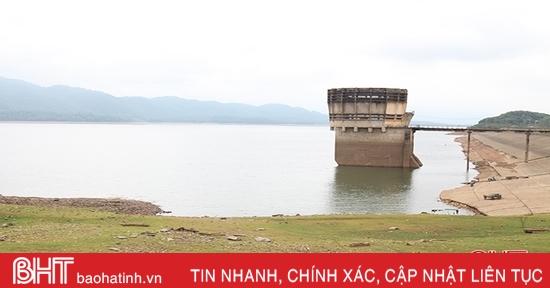 """Các hồ chứa ở Hà Tĩnh vẫn """"đói nước"""" sau đợt mưa lớn"""