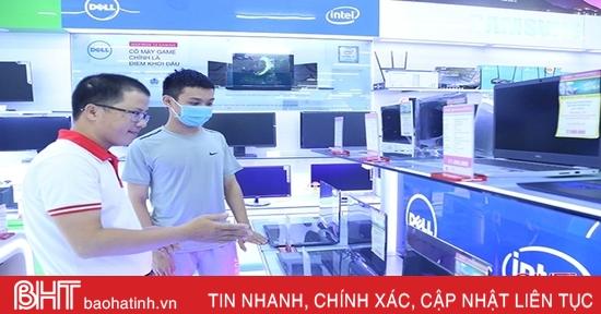 Các siêu thị, cửa hàng Hà Tĩnh tung khuyến mãi máy tính xách tay chào đón năm học mới