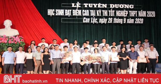 Can Lộc tuyên dương 203 học sinh đạt điểm cao trong Kỳ thi tốt nghiệp THPT