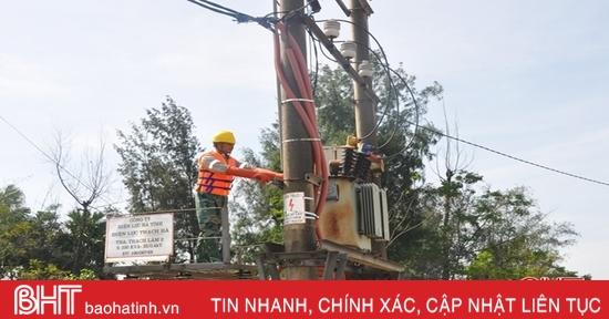 Cấp điện trở lại cho 100% khách hàng bị ảnh hưởng mưa lũ ở Hà Tĩnh