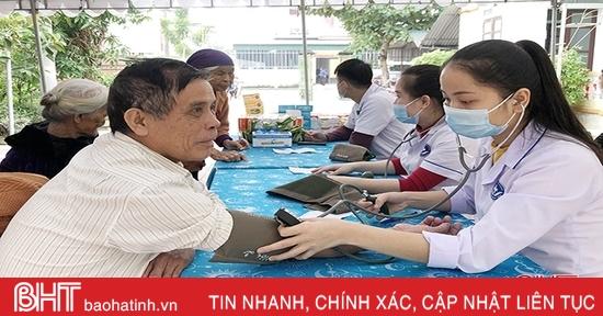 """Chăm sóc sức khỏe cho người cao tuổi Hà Tĩnh - cần những chính sách """"dài hơi"""""""