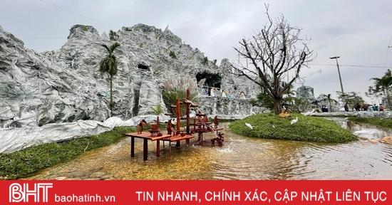 """Chiêm ngưỡng hang đá Bê-lem """"khổng lồ"""" từ hàng ngàn cây tre ở Hà Tĩnh"""