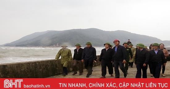 Chủ tịch UBND tỉnh: Sơ tán ngay người dân ra khỏi vùng nguy hiểm