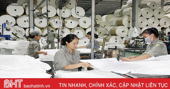 """Cơ chế, chính sách """"tiếp sức"""" doanh nghiệp Hà Tĩnh phát triển"""