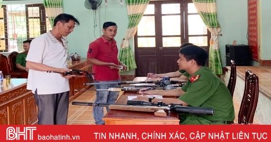 Công an Hương Khê thu hồi 88 khẩu súng các loại