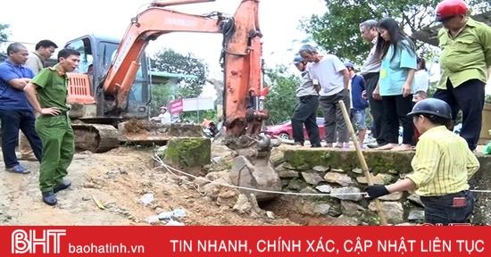 Cưỡng chế, bàn giao 7 m2 đất cho người được thi hành án ở Hương Khê