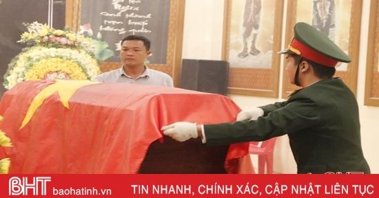 Dâng hương tưởng niệm các liệt sỹ hy sinh tại Quảng Trị