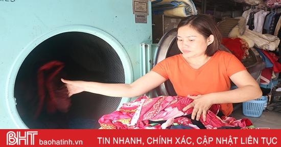 Dịch vụ giặt là ở Hà Tĩnh quá tải sau lũ