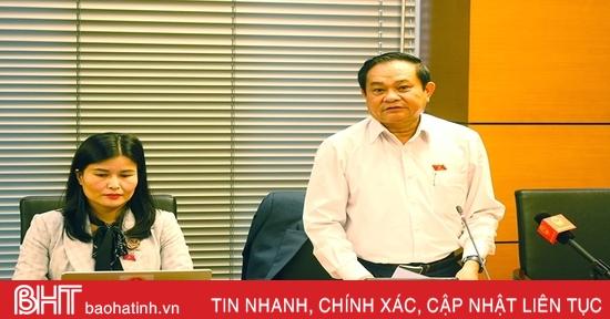 Đoàn ĐBQH Hà Tĩnh thảo luận về tình hình KT-XH và cơ cấu lại nền kinh tế
