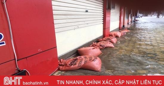 Dự báo mưa lớn, người dân thành phố Hà Tĩnh lại lo chạy lũ