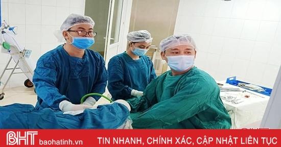 Hà Tĩnh phẫu thuật thành công bệnh nhi viêm ruột thừa góc lách hiếm gặp