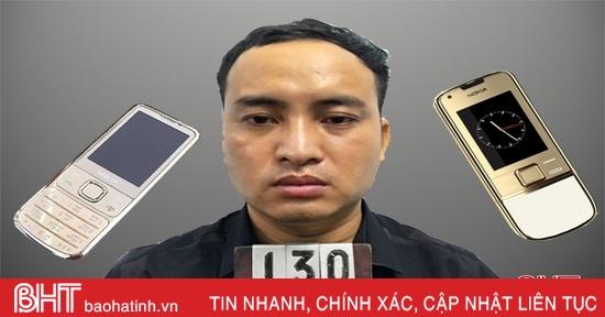 """""""Hô biến"""" Nokia 8800 giá 44 triệu thành điện thoại 2 triệu từ tay nhân viên bưu điện ở Hà Tĩnh"""