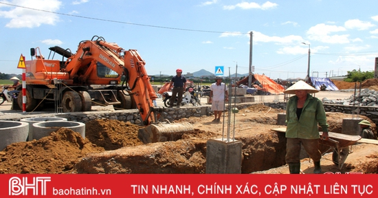 Hộ dân xung quanh Nhà máy rác Phú Hà làm nhà, xây dựng cuộc sống mới ở khu tái định cư