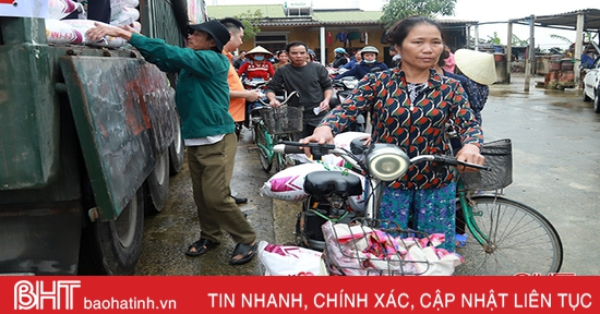 Hỗ trợ 33 tấn phân NPK cho nông dân xã Cẩm Thành