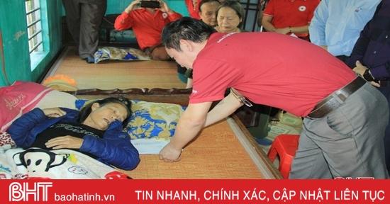 Hỗ trợ thân nhân 2 chiến sỹ hy sinh ở Quảng Trị 18 triệu đồng