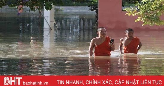 Hơn 10.000 người phải đi sơ tán do lũ lụt ở Campuchia