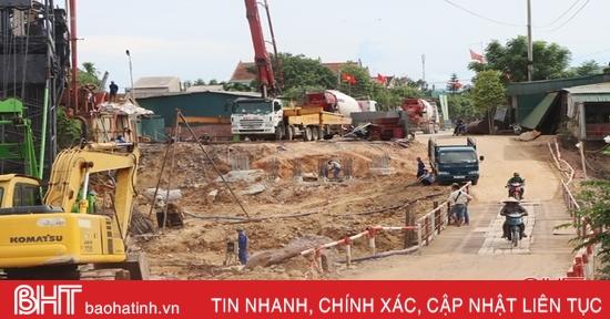 """Hơn 11 tỷ đồng xây cầu """"vượt lũ"""" vùng hạ du hồ Kẻ Gỗ ở Hà Tĩnh"""