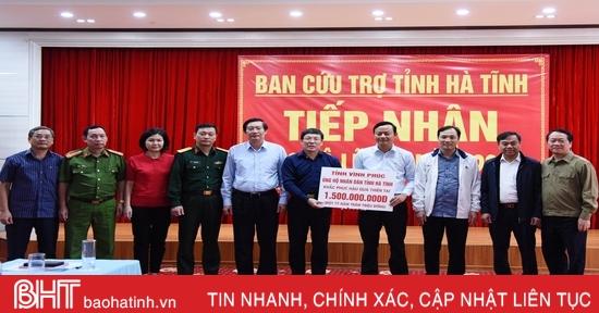 Hơn 17 tỷ đồng ủng hộ đồng bào Hà Tĩnh bị ảnh hưởng bởi lũ lụt