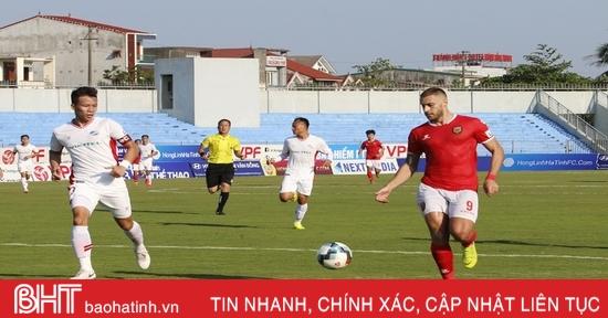Hồng Lĩnh Hà Tĩnh ghi dấu V .League bằng tinh thần vượt khó