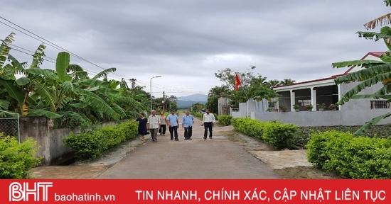 """Khi """"cây cao bóng cả"""" tiên phong làm """"dân vận khéo"""" ở Hà Tĩnh"""