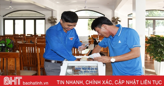 Lộc Hà mở thùng từ thiện quyên góp tiền ủng hộ trẻ em nghèo