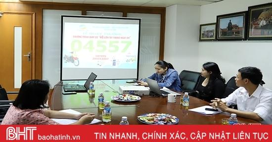Một khách hàng ở Hương Khê trúng xe SH của Viettel Hà Tĩnh
