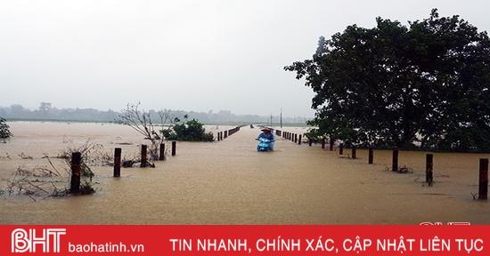Mưa lớn gây ngập cục bộ ở Hương Khê
