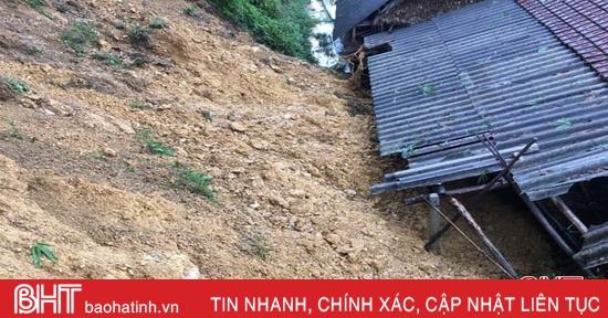 Mưa lớn gây sạt lở nghiêm trọng ở huyện Vũ Quang