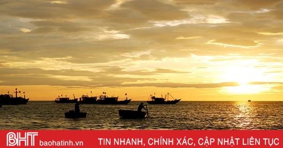 Nghe ngư dân Hà Tĩnh kể chuyện được cá Ông hộ thuyền thoát khỏi dông tố